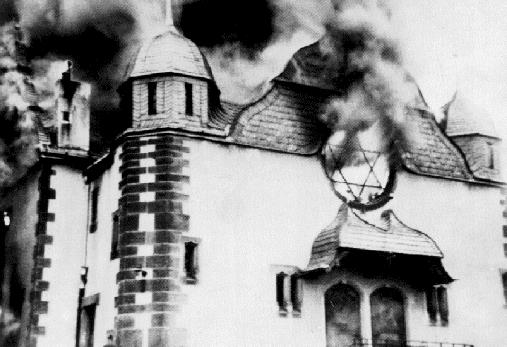 Spalenie Synagogi w Kryształową noc 1938