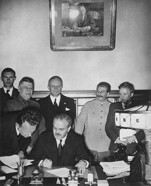 Ribbentrop, Mołotow, Stalin
